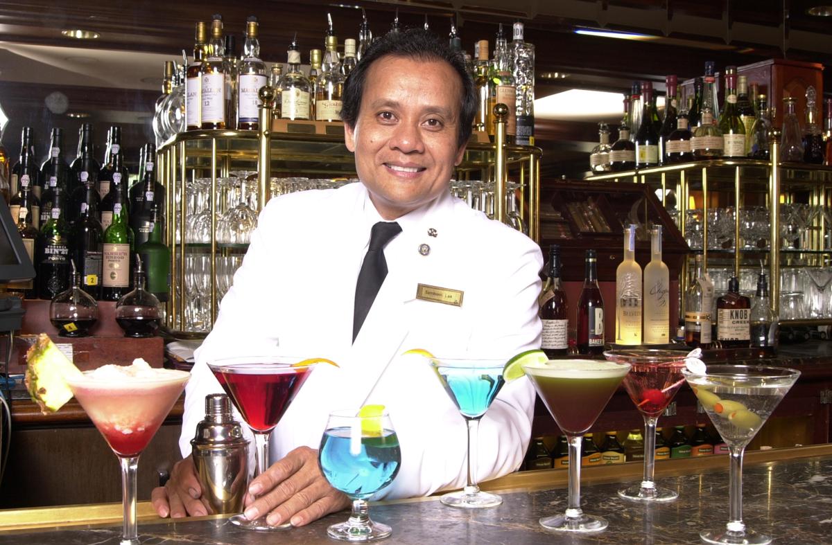 Hotel Bartender Sambonn Lek. Bartending ...