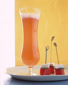 grapefruit sparkler cocktail recipe by martha stewart - brunch cocktails