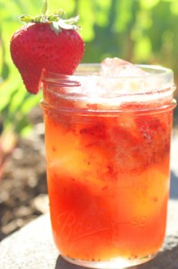 Cosmo Berry Spritz cocktail