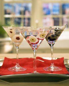 halloween cocktail recipes - lychee eyeball martini