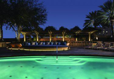 4 Seasons Houston - Pool Night