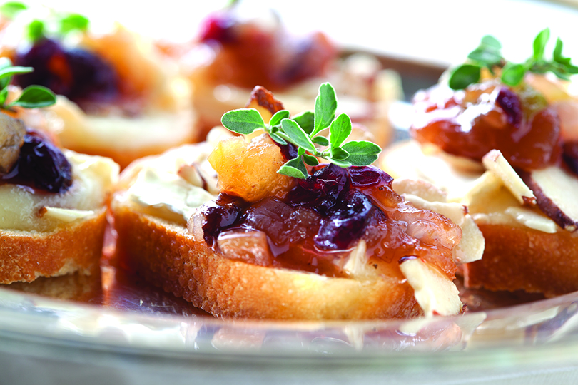 Crostini with Apple Chutney